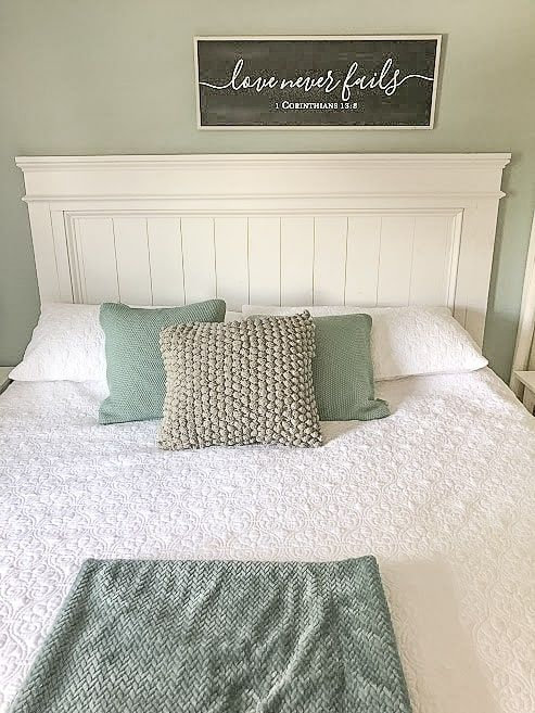 How to Build a Beautiful DIY Farmhouse Headboard- A Weekend Project -