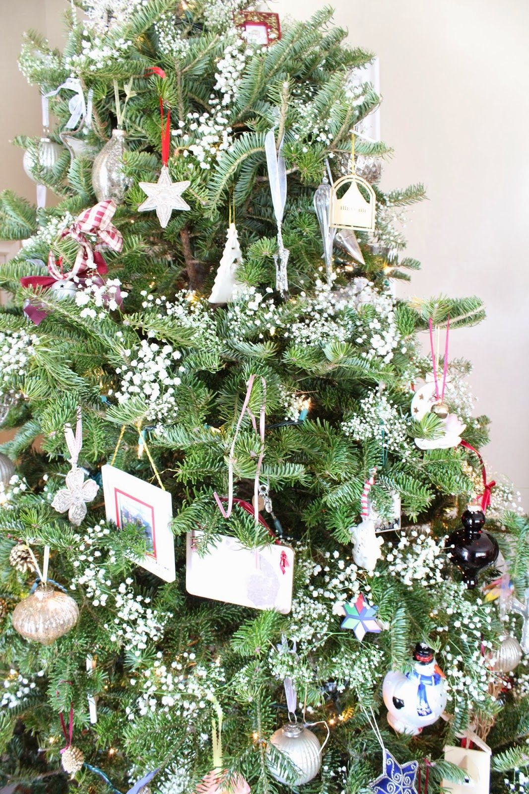 baby\'s breath on the Christmas tree | Christmas tree, Babies and ...