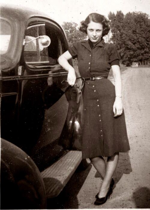 1940 S Fashion Young Woman S Wardrobe Plan: Young Lady By The Car In Wartime Outfit, 1940's