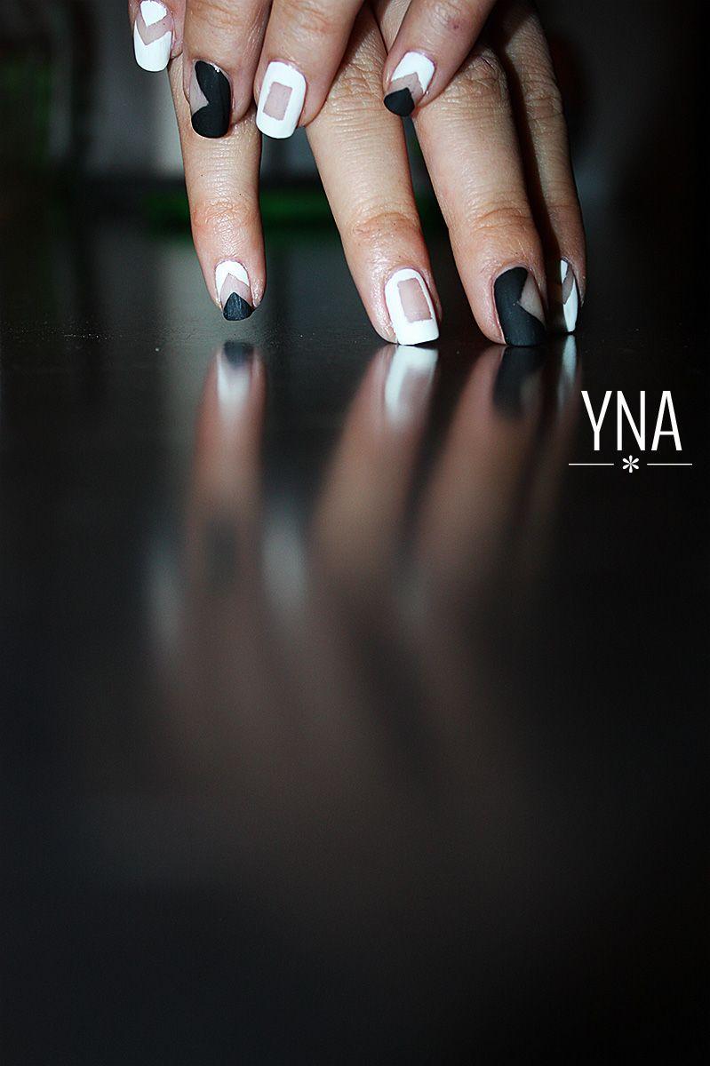 Negative nails http://yuni-nail-art.fr/negative-nails/ | Nail art ...