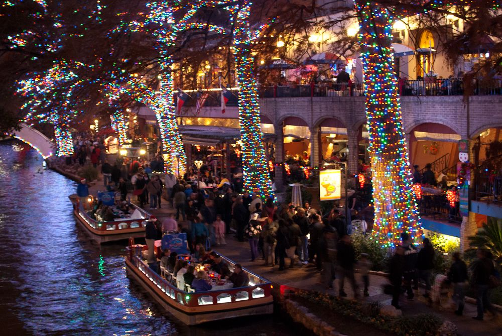 Christmas Festival of Lights on the San Antonio River Walk ...