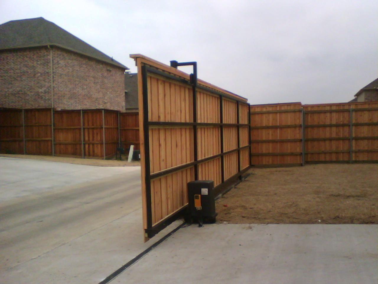 Pin By Elena Feroz On Fence Electric Driveway Gates Driveway Gate Sliding Gate