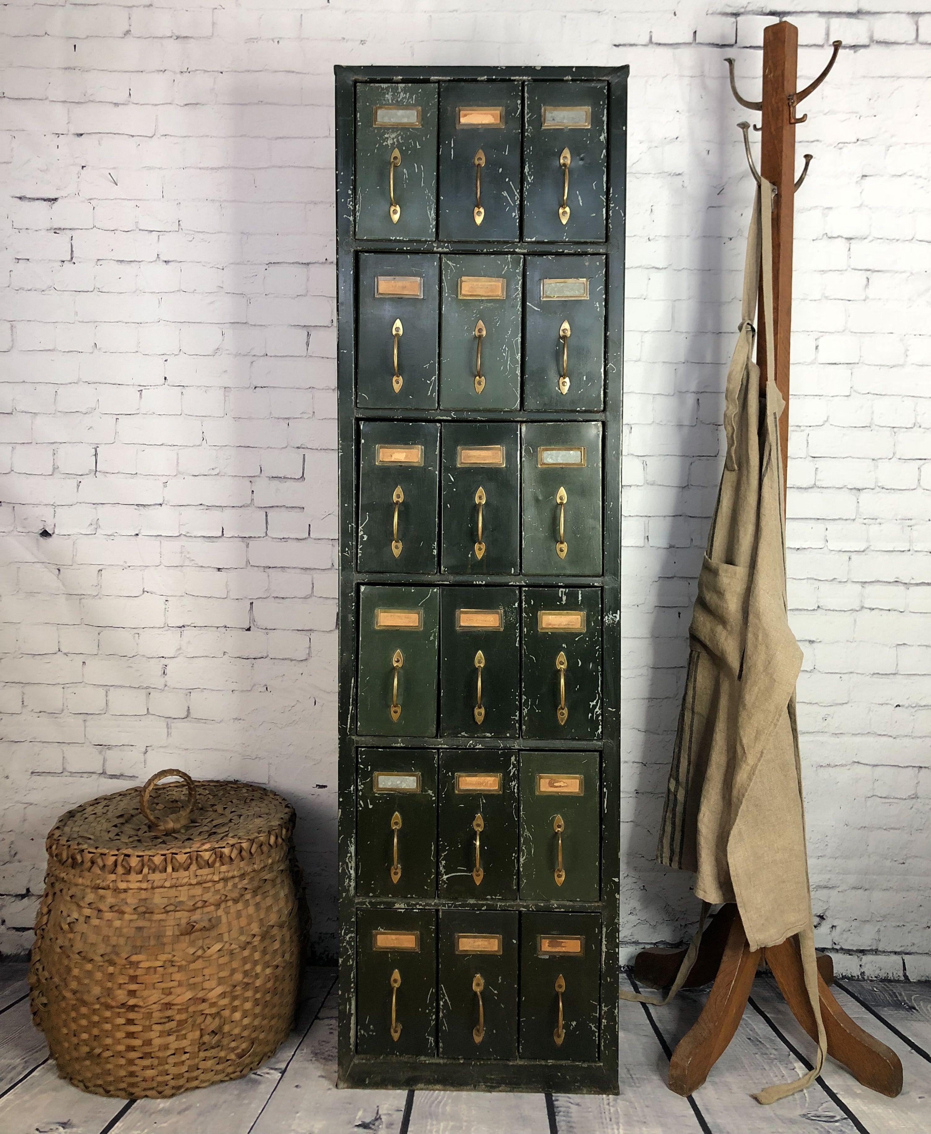 Grand Classeur Vintage Large Vintage File Cabinet Prixc 695 00 Magnifique Classeur Vintage En Metal 18 Tiroirs Classeur Meuble Rangement Peintures Vertes