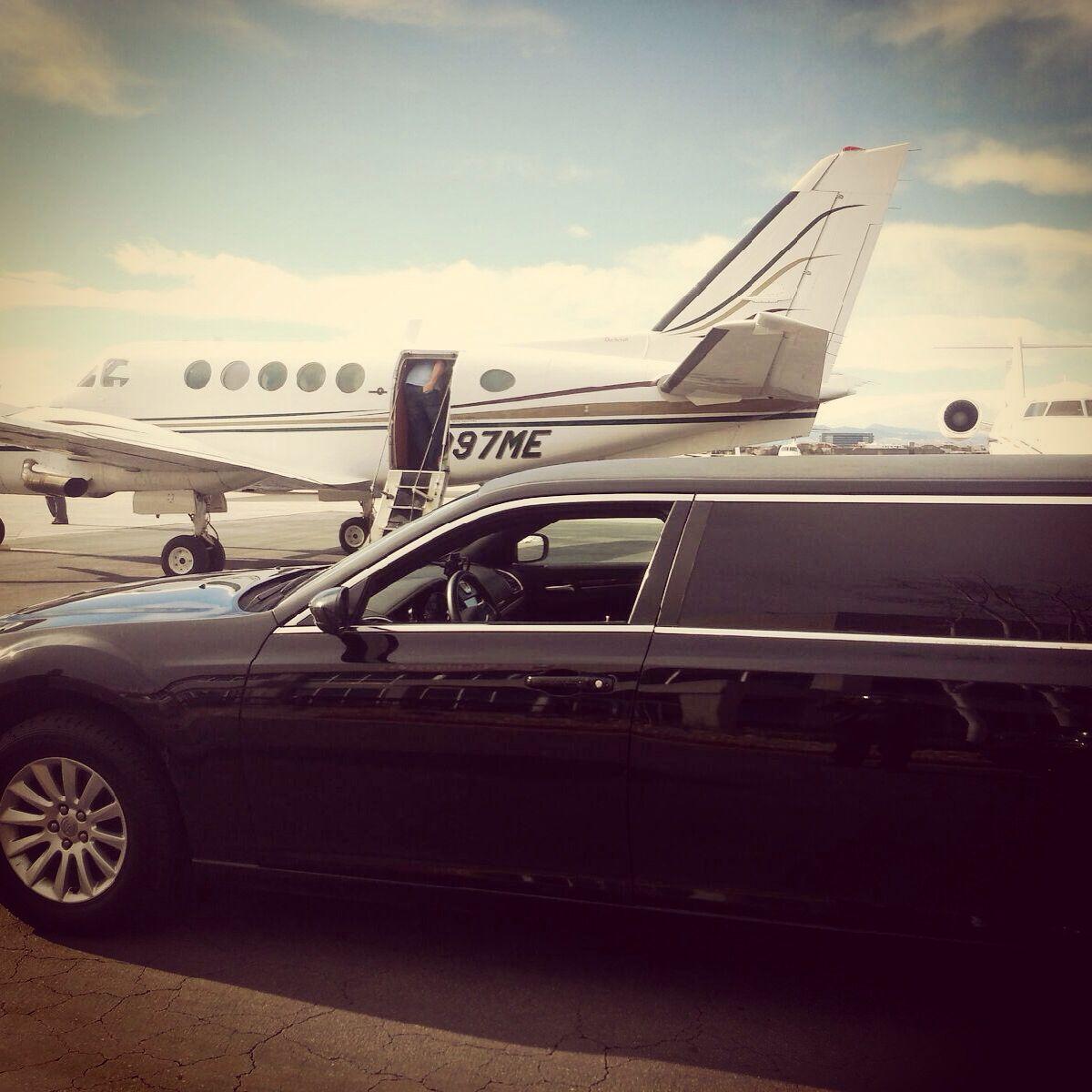 Denver airport limo 303-699-7788 Www.limoservicedenver.com #denverlimo #airport #limo