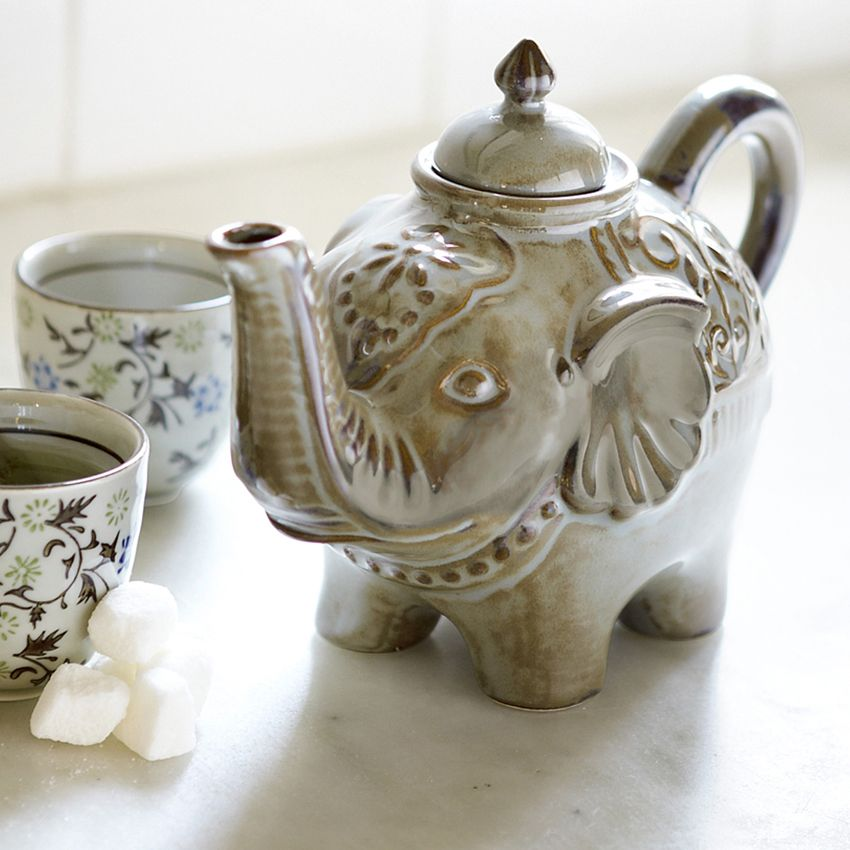 Tea parties will be unforgettable with this Elephant Teapot #teapots