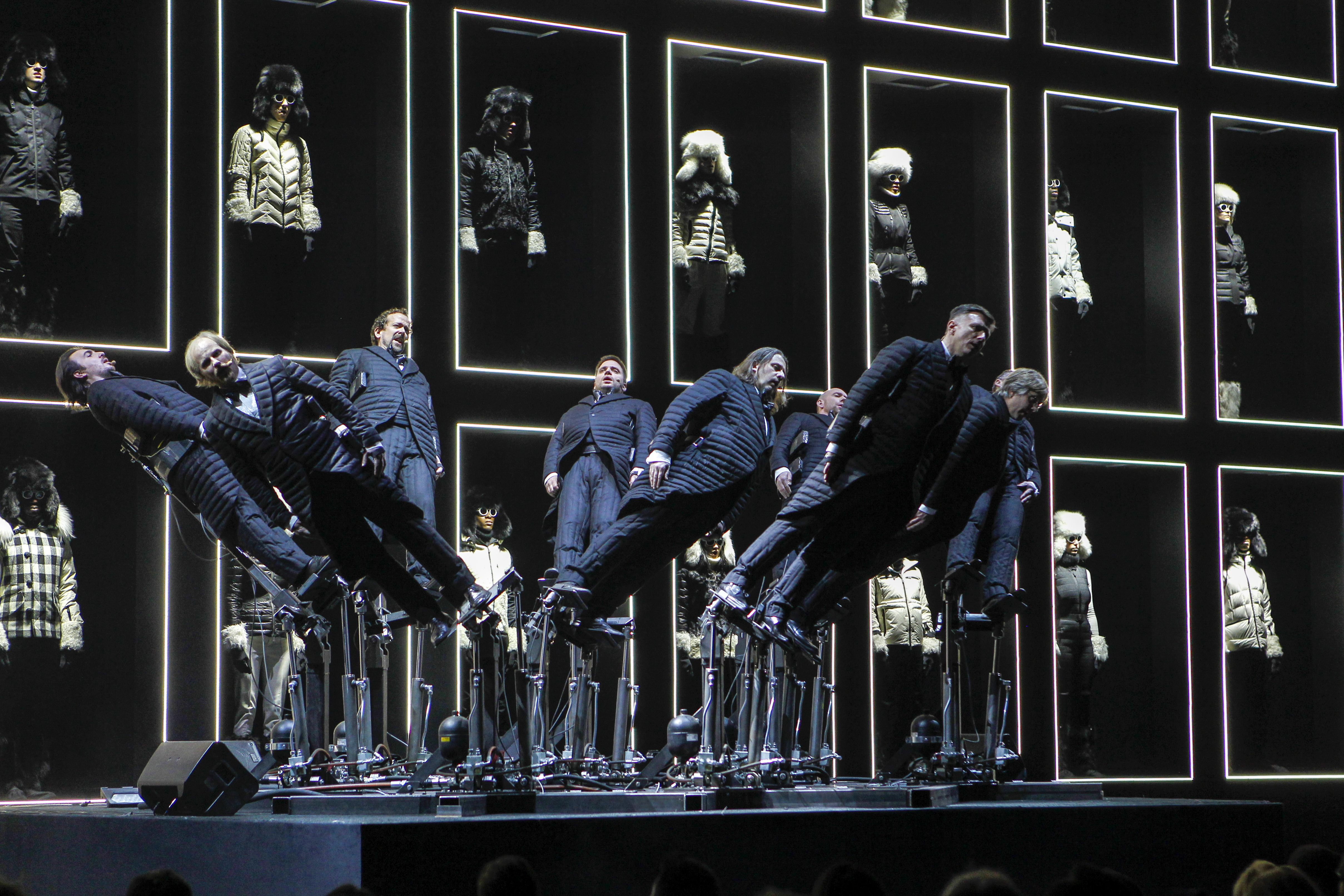 Moncler Grenoble transformed the New York's Hammerstein Ballroom into a unique audio-visual experience.
