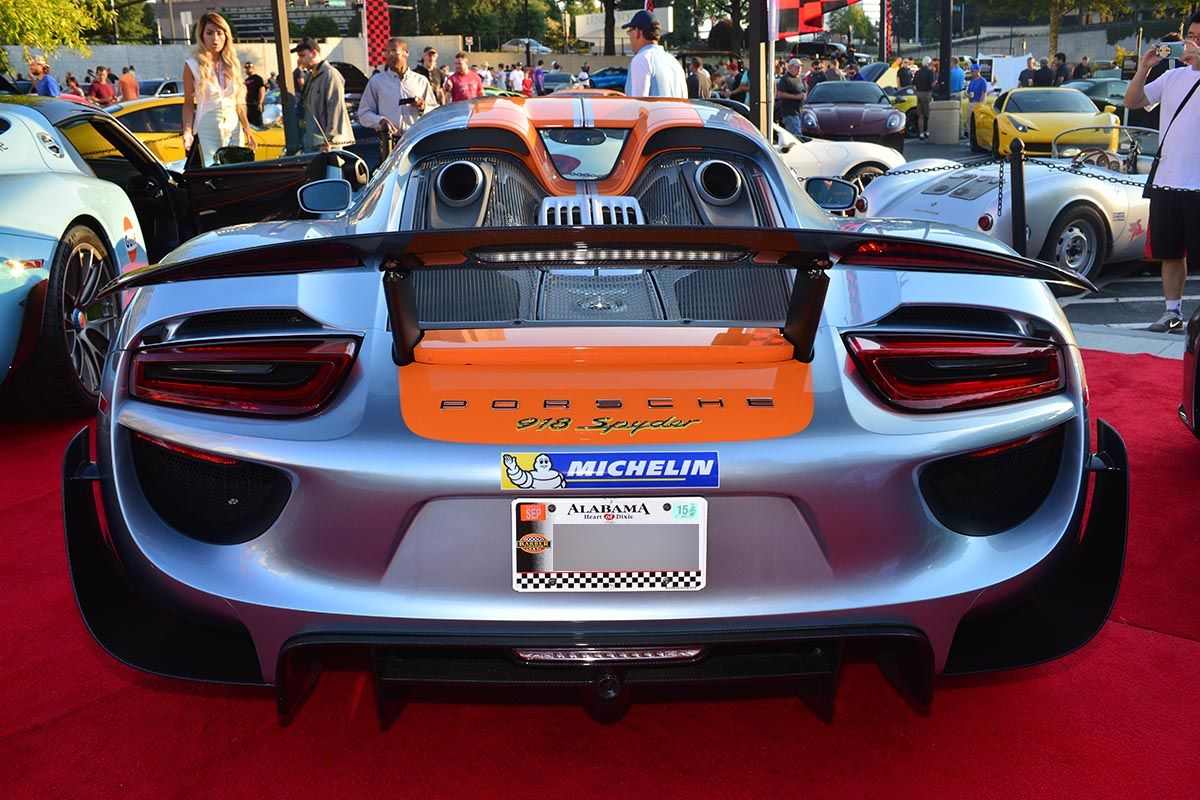 porsche 918 spyder in orange bild
