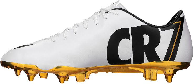 a94297ba4842c White   Gold Nike Cristiano Ronaldo 2014 Special Edition Mercurial Vapor  Boot Released - Footy Headlines