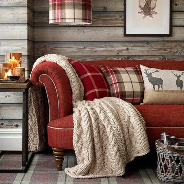 wohnideen innenausstattung rotes sofa tolle dekokissen country ...