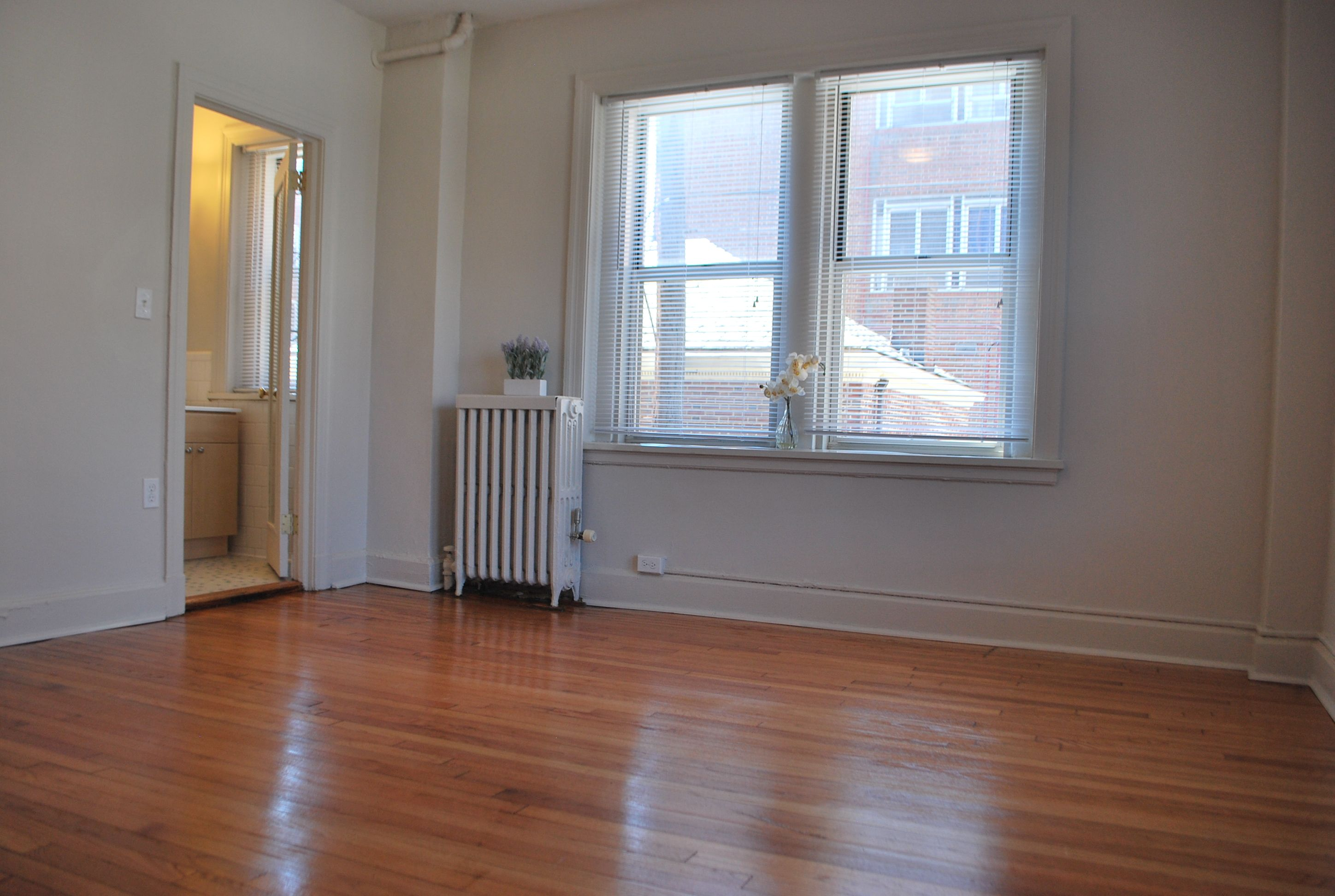 Large Studio Apartments At Jefferson House In Charles Village Baltimore Only A Short Walk To Johns Hopkins University So It House Bedroom Layouts Apartment