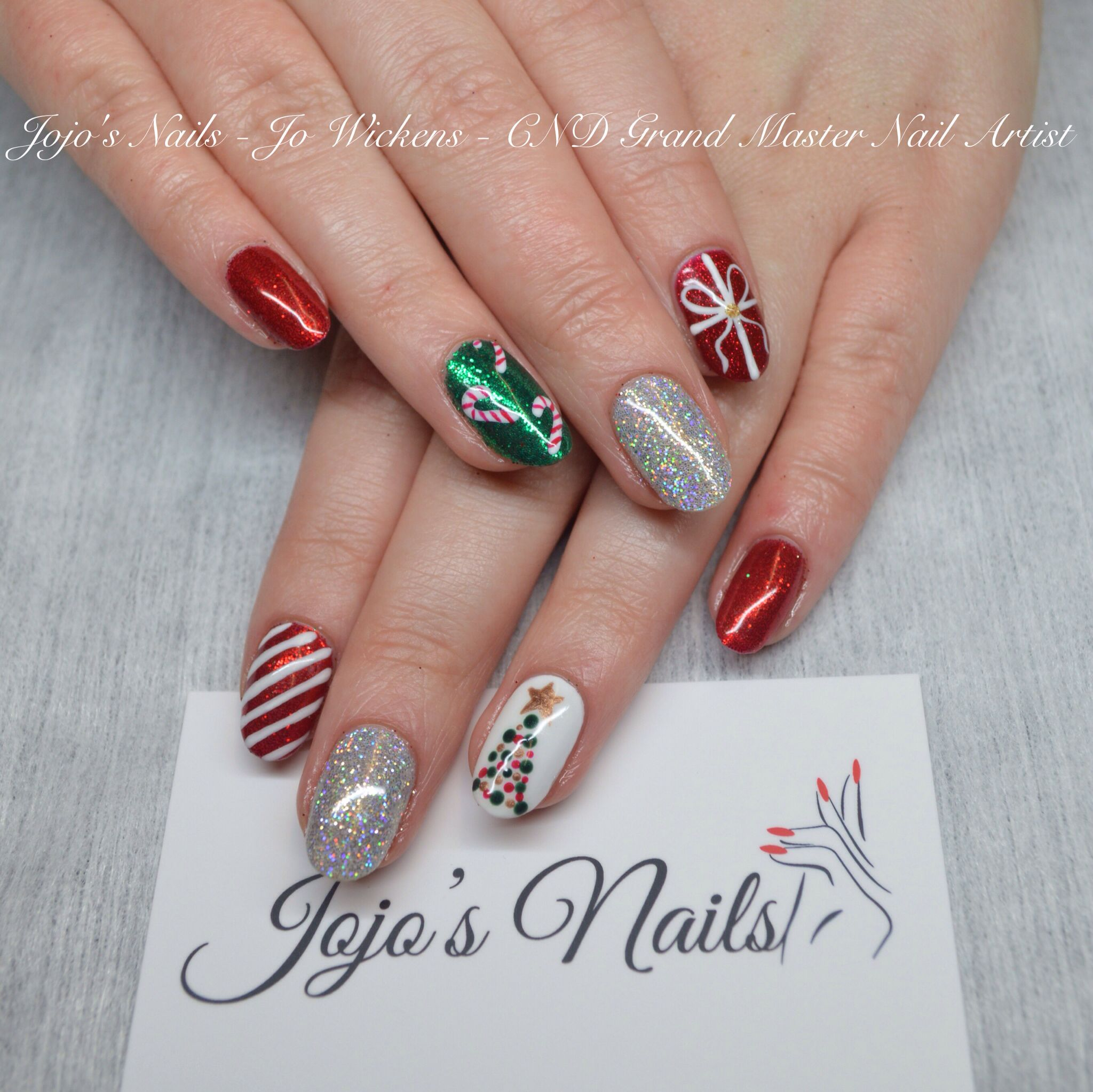 Hand Painted Christmas Nail Art: CND Shellac With Rockstar Accents And Hand Painted Nail