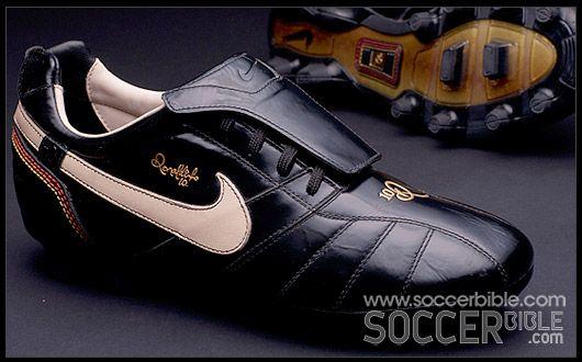 Comparable Supresión Relativamente  An unknown error occured. - SoccerBible | Football boots, Cool football  boots, Soccer boots