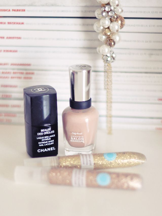 chanel top coat+sally hansen cafe au lait nail polish+martha stewart ...