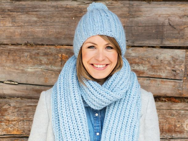 Photo of Magdalena Neuner: So strickt ihr euch ein wunderschönes Set aus Schal und Mütze | Wunderweib