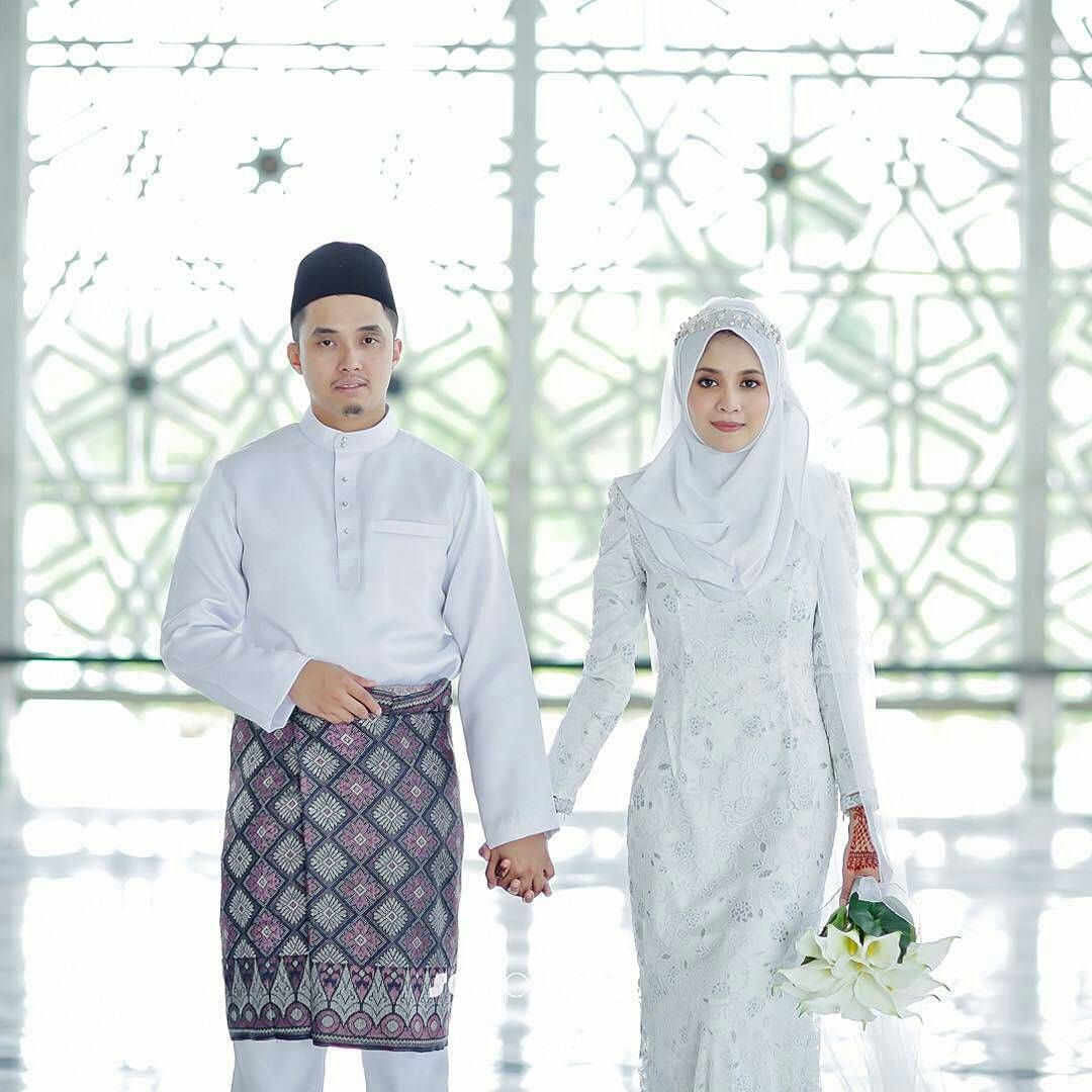 9 Inspirasi Gaun Pengantin Melayu Untukmu yang Berhijab