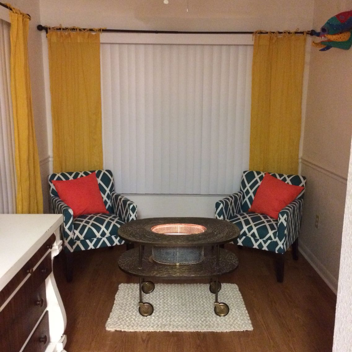 Turn An Unused Breakfast Nook Into A Sitting Area.