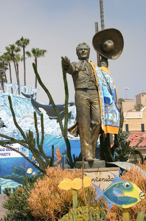 Don Diego welcomes beach-lovers to the 2006 San Diego County