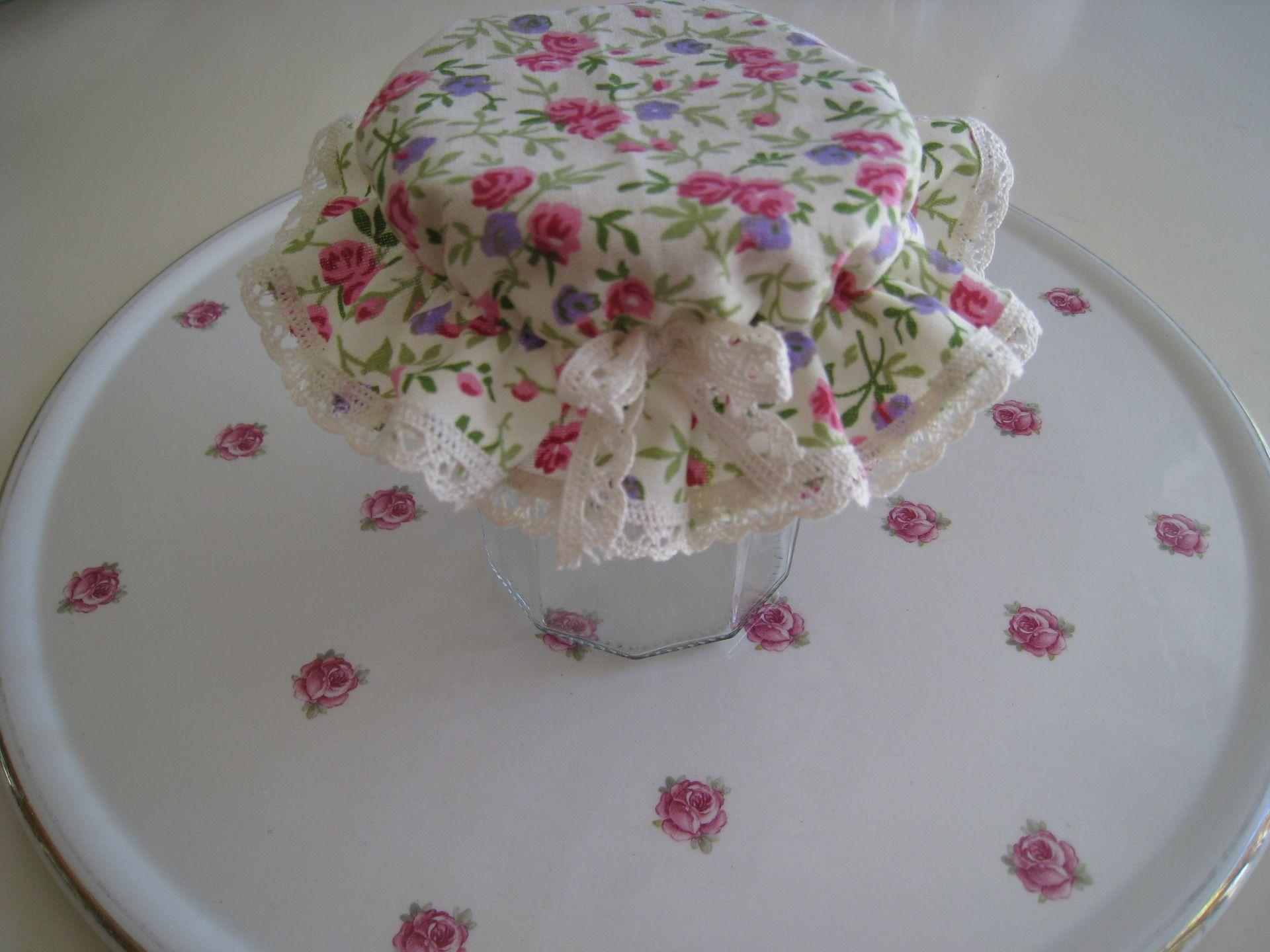 charlotte pour couvercle de pot a confiture tissus par annie cousinette diy ce que j. Black Bedroom Furniture Sets. Home Design Ideas
