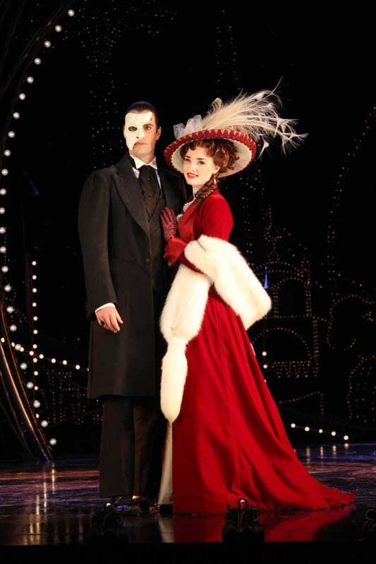 Phantom And Christine Phantom Of The Opera Love Never Dies