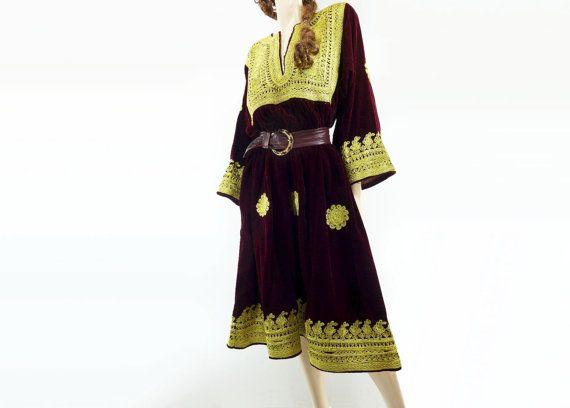 70s Velvet Dress 70s Afghani Dress 1970s Tribal por StarletVintage