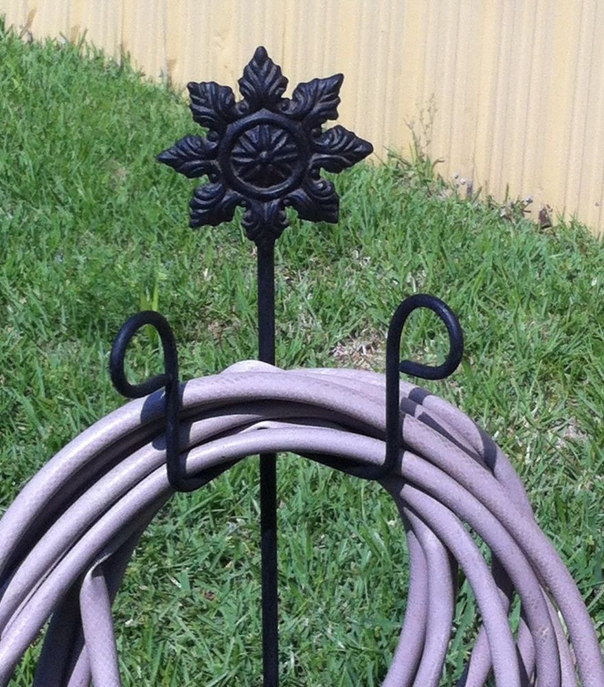 FLOWER ROSETTE ON STICK GARDEN HOSE STAND STEEL PAINTED HANGER YARD ...