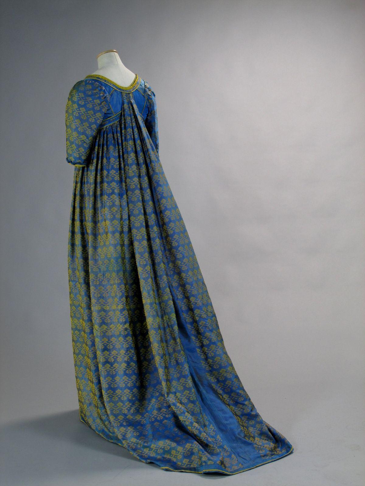 Costume designed by Maurizio Millenotti for Valeria Golino in Immortal Beloved (1994)