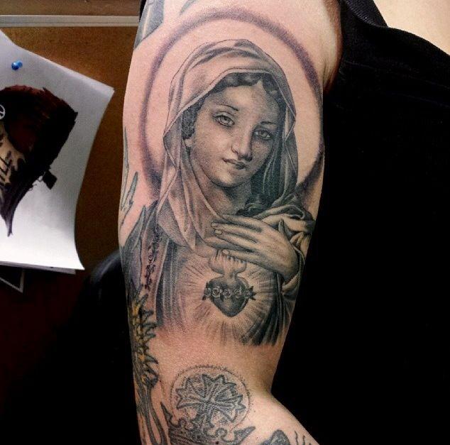 Religious sacred heart tattoo | Tatts | Pinterest | Sacred ...