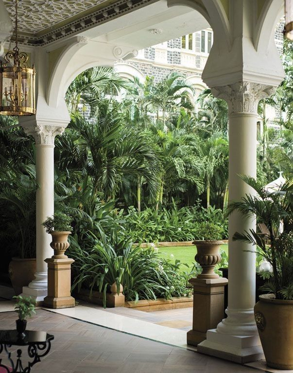 20 Modern Colonial Interior Decorating Ideas Inspired By Beautiful Colonial Homes: British Colonial Decor, British Colonial Style, Colonial