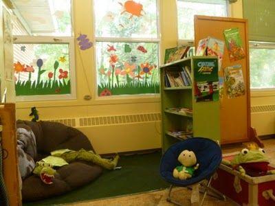 Un rincón de lectura en un aula de colegio Rincón de lectura