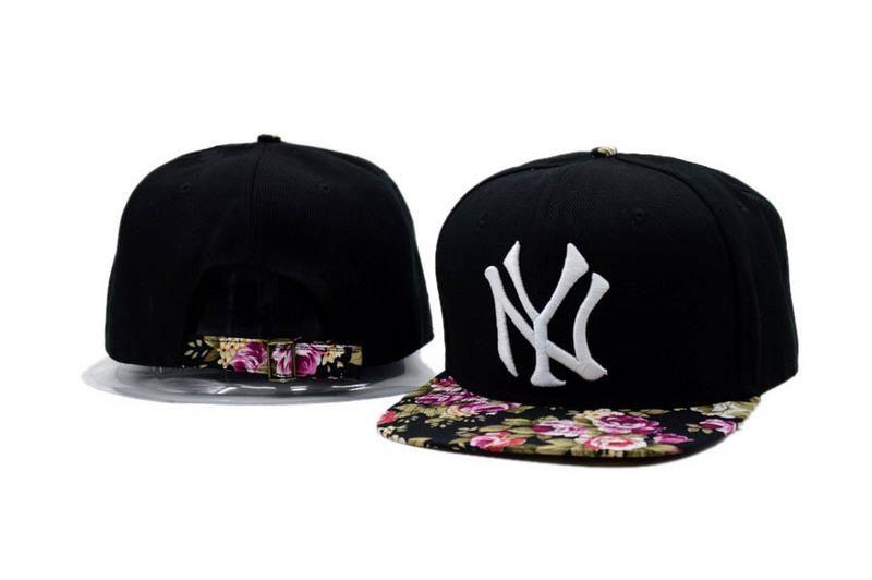 bdfb53f98a4cc Mens New York Yankees MLB Floral Visor   Strap Back Big Logo Embroidery  Baseball Snapback Hat - Black   Flower
