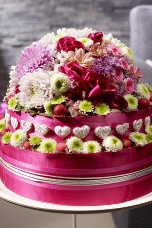 Maak eens een taart met chrysanten in snoepkleuren -JustChrys - Inspiratie: verrassende chrysanten arrangementen voor de slimme en creatieve bloemist!