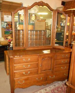 Ethan Allen Country French Collection Dresser With Mirror Bedroom
