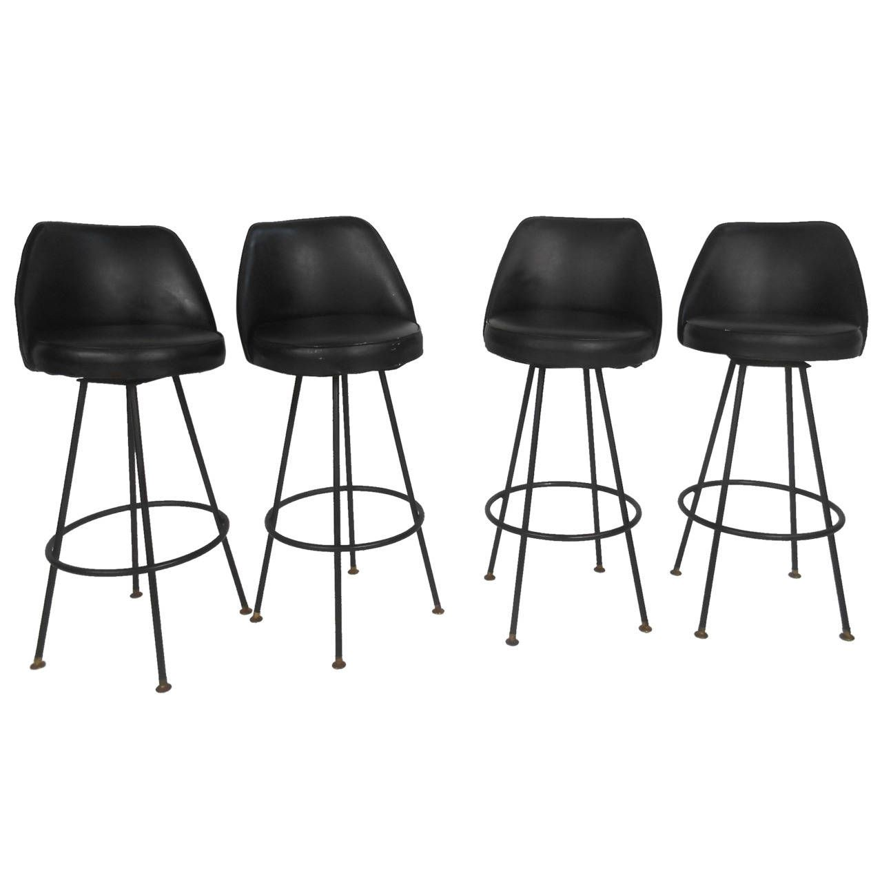 Four Mid Century Modern Bar Stools By Admiral Chrome Corporation 1stdibs Com Bar Stools Modern Bar Stools Mid Century Modern Bar