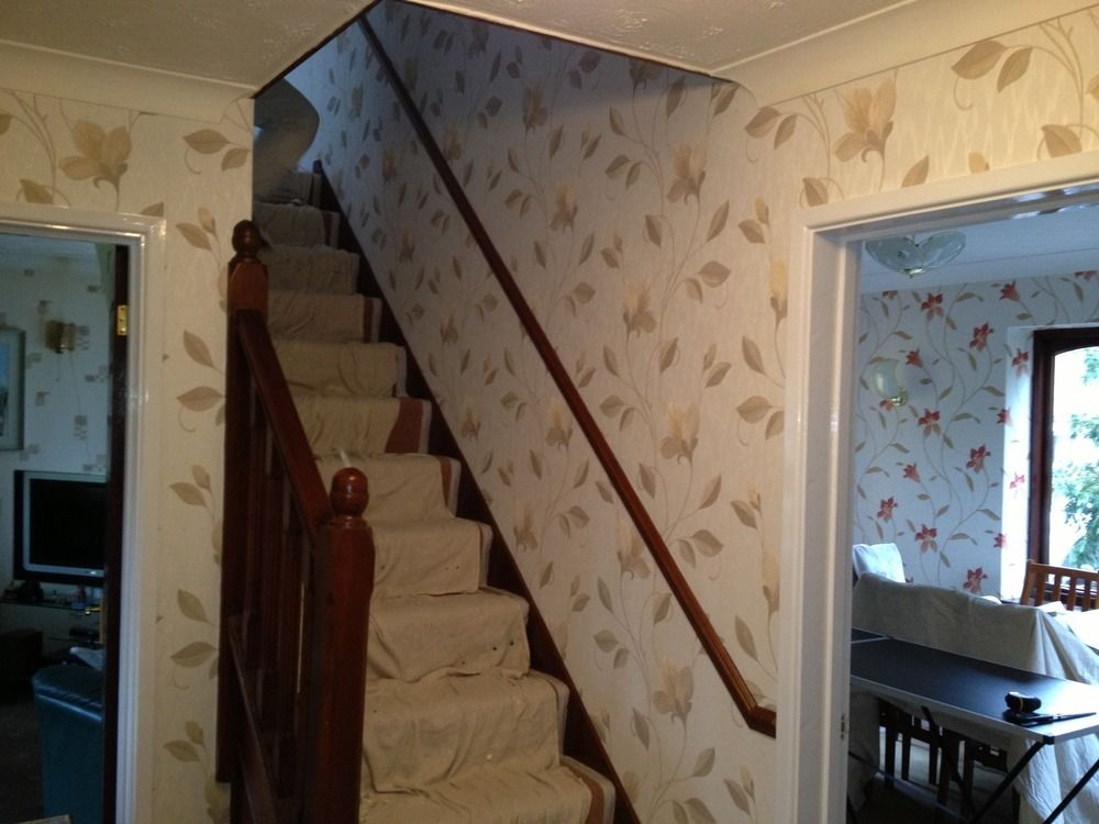 Captivating Wallpaper Ideas For Stairs And Landing Gallery - Best ...
