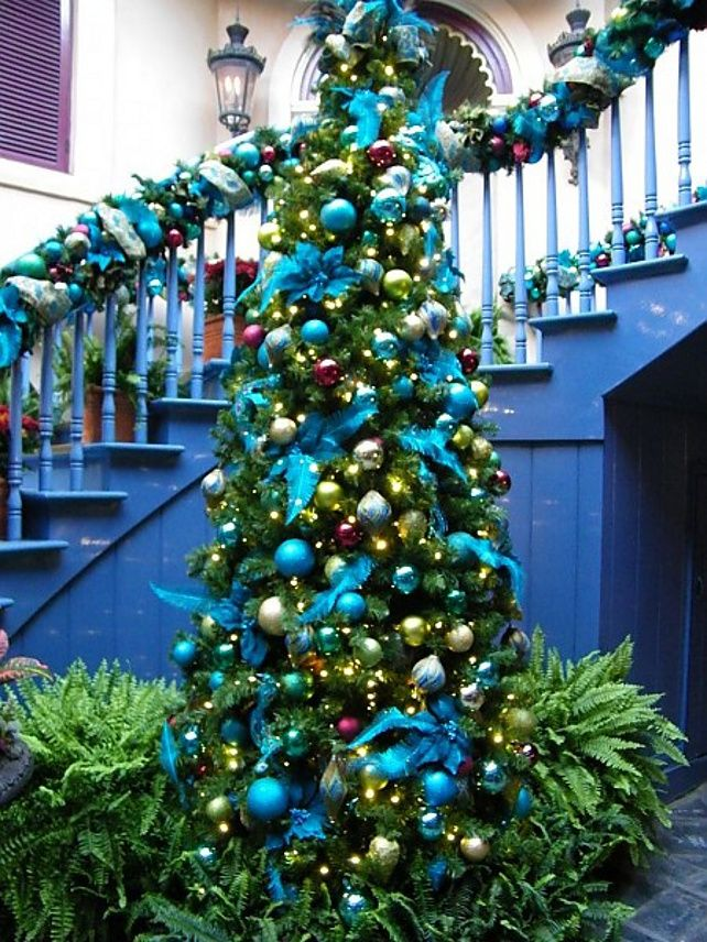 When It Comes To Christmas Decor Experts Say As The Perceived Rules The Decor Remains Blue Christmas Decor Blue Christmas Tree Decorations Blue Christmas Tree