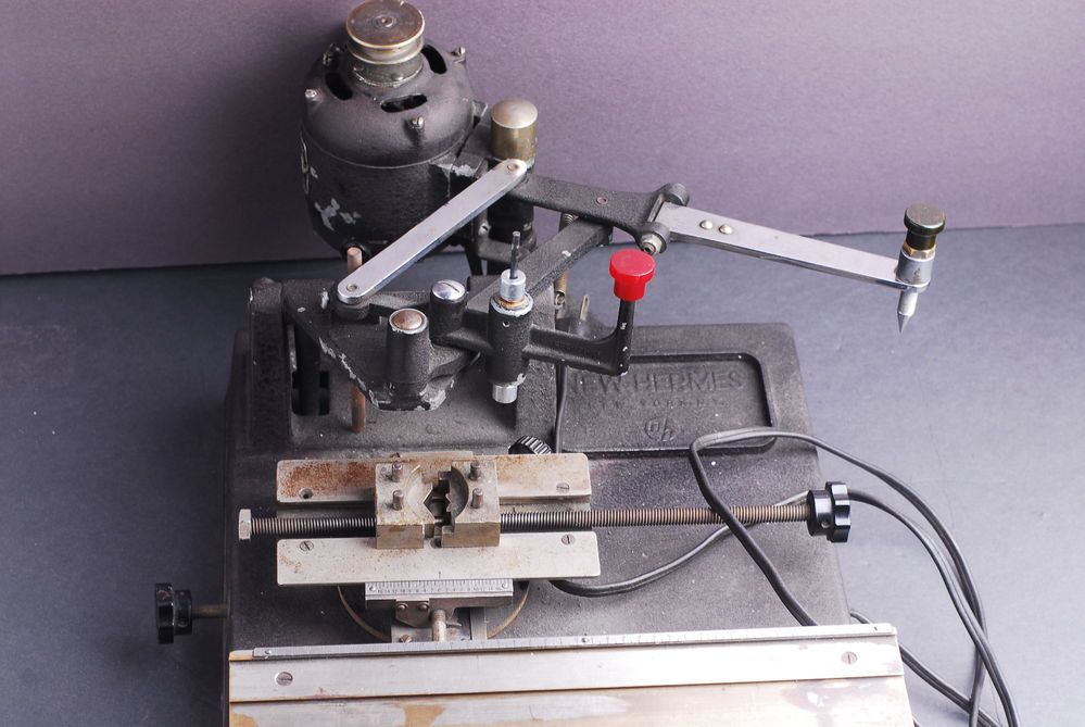 Royer 122 + MoogerFooger Ring Modulator - Gearslutz