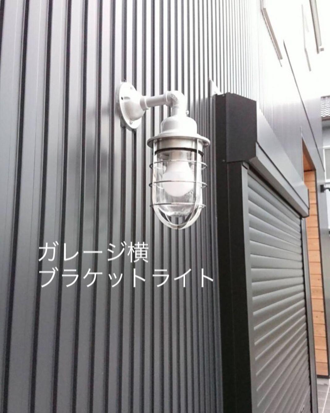 Chestnut Homeさんはinstagramを利用しています 室内ドア リクシルのヴィンティア 床の色に合わせて トイレ ボトルグリーンのガラス付きドア ドアノブ丸 洗面所 ネイビーブルー 引き戸 マイホーム マイホーム計画 マイホーム記録 マイホーム作