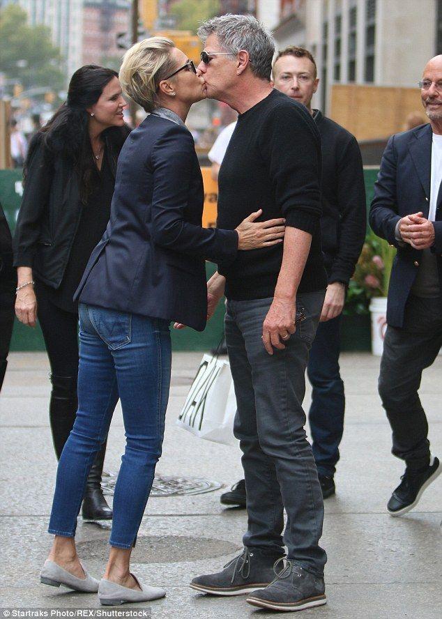 David Foster Gets A Smooch From Gigi And Bella Hadid In Instagram Snap Yolanda Foster Style Hadid Style Hadid