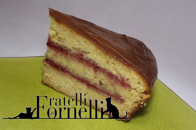 Torta 1708 - Fratelli ai Fornelli  Torta di nocciole farcita a strati da marmellata di lamponi e ricoperta da una ganache al gianduja.