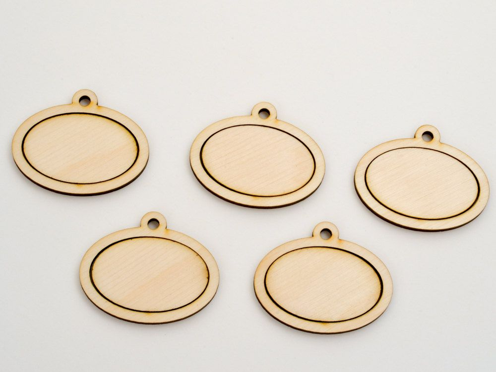 1 X 15 Embroidery Hoop Horizontal Oval Pendants Large 25mmx38mm