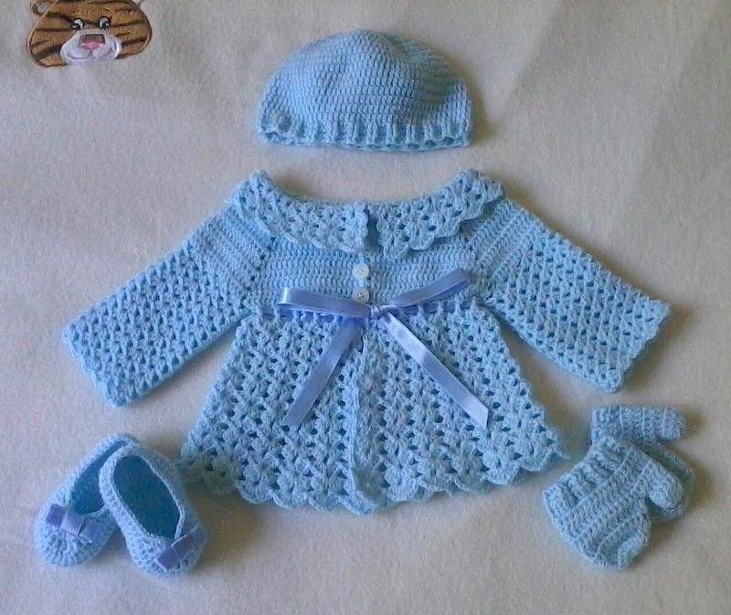 9dbe7ff3b Lindo conjunto em crochê para bebês composto de casaco