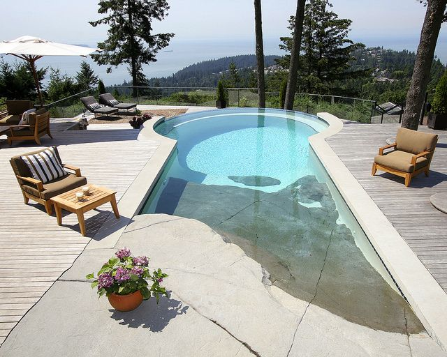 Alka pool beach entry beach and swimming pools for Pool design with beach entry