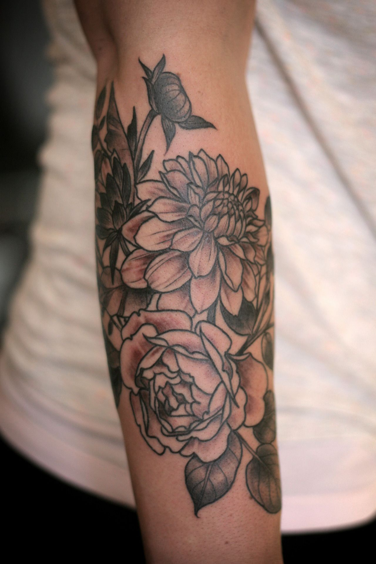 Rose Tattoos Flower: Dahlia & Rose Floral Arrangement #pretty #tattoo #inked