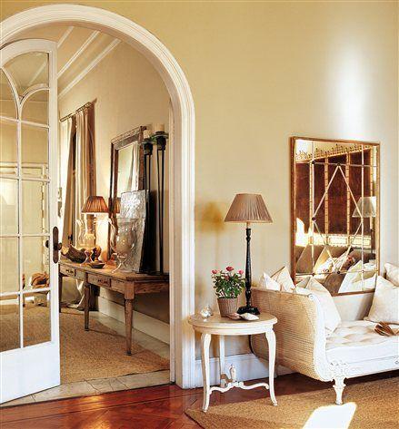 Ampl a tu casa solo con la pintura ideas vivienda recibidor pintar la sala y decoraci n de unas - Pintar un recibidor ...