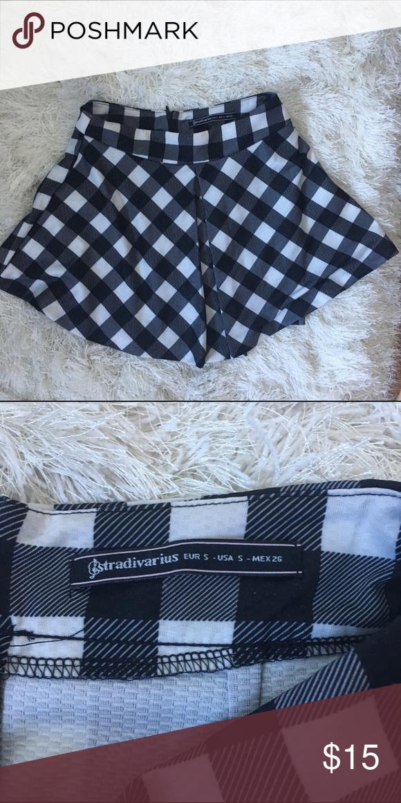 Stradivarius checkered skater skirt. Perfect. Perfect condition European brand Stradivarius skater skirt. Urban Outfitters Skirts