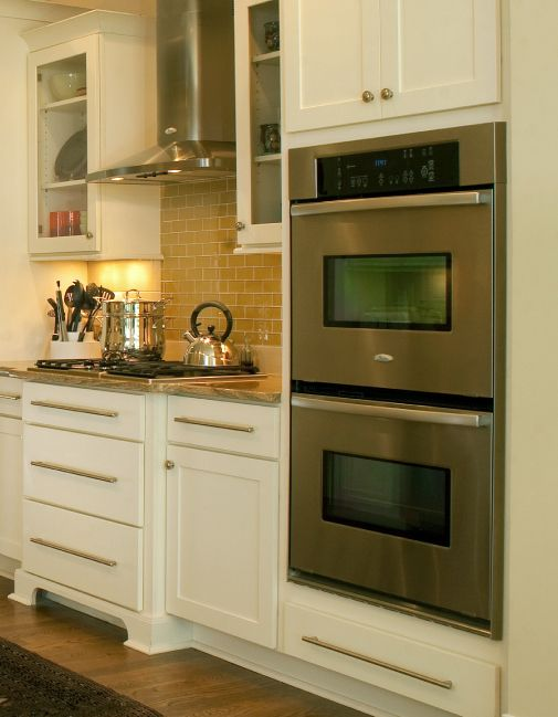 Cliqstudios Elegant And Contemporary Shaker Kitchen Cabinets With Stainless Liances Clic Cabinet Hardware A Double Oven