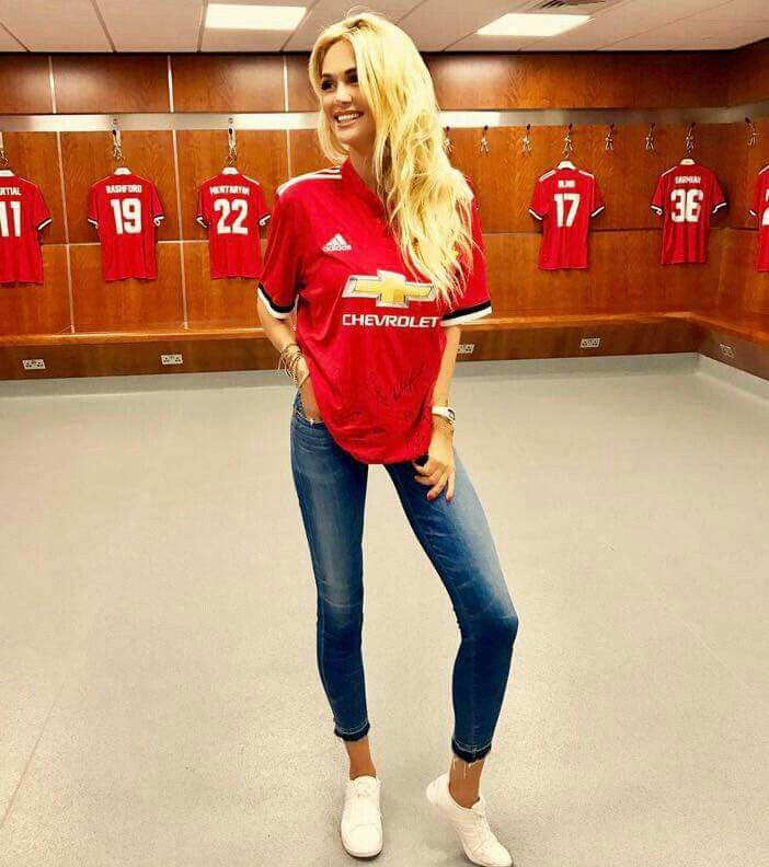 Manchester United Women S Team Kit