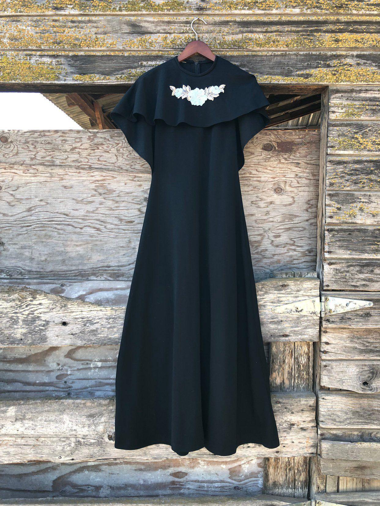 Vintage Black Witch Dress Capelet S Small Batwing Cape 60s Etsy Floral Dress Black Black Witch Dress 60s Maxi Dress [ 1656 x 1242 Pixel ]