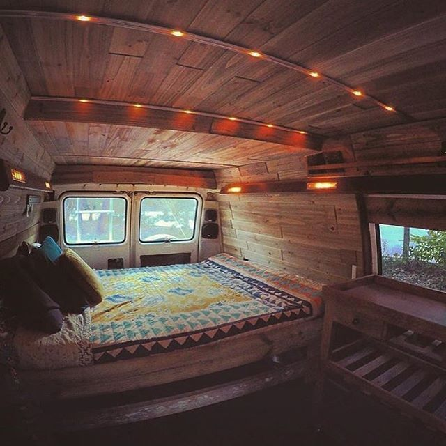 The Wayward Blonde Adding Some Mood Lighting As A Finishing Touch Vanlifediaries To Share Your Style Creative Ideas From The Ro Dom Na Kolesah Kemping Dom
