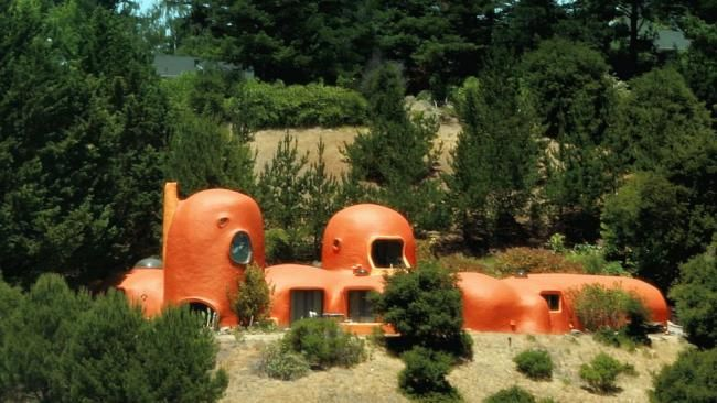World's Most Bizarre Houses~The Flintstone House (Calif.)